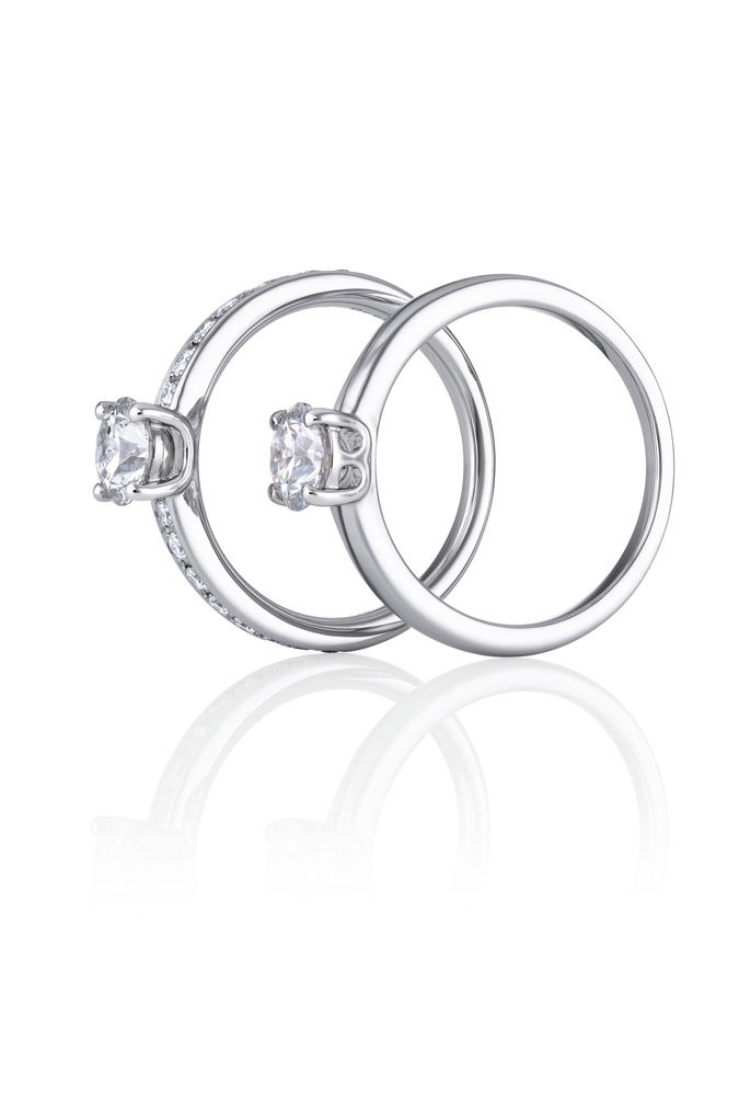 De Beers Signature and De Beers Signature Pavé Engagement Rings