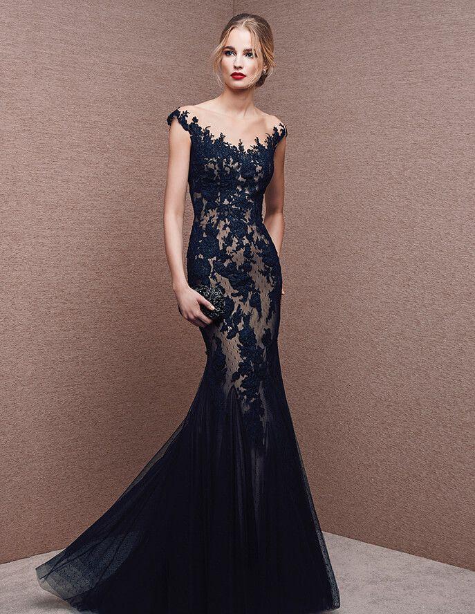 Vestido estilo sereia, em renda
