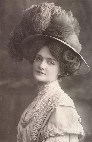 "Edwardian actress Lily Elsie as she looked for the London premiere of the smash hit ""The Merry Widow"" in 1907."