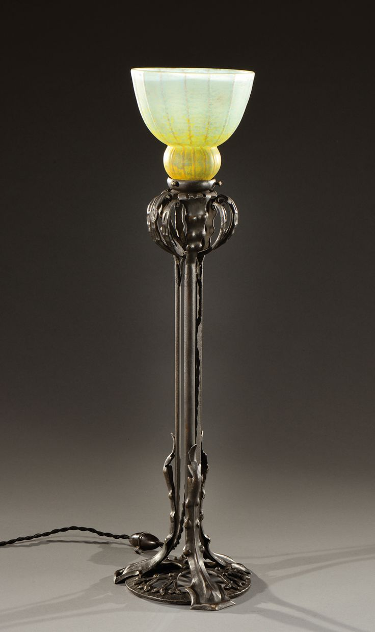 Les 75 meilleures images propos de art deco sur for Lampe au dessus d une table