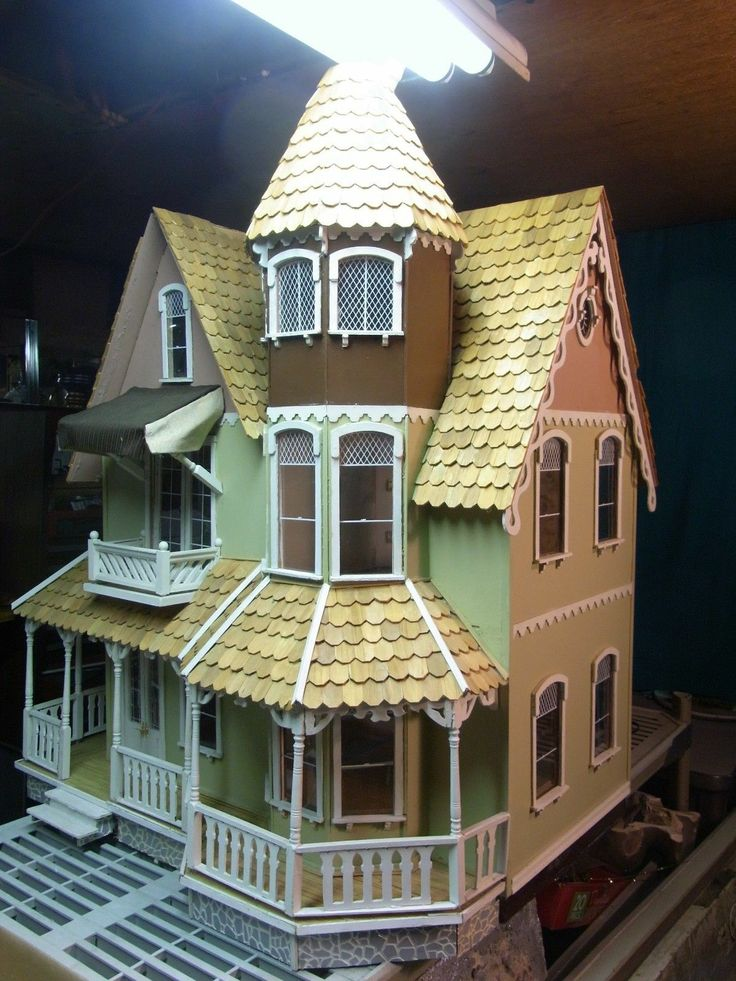 Pre built wooden garfield dollhouse 1 scale lots of extra for Already made houses