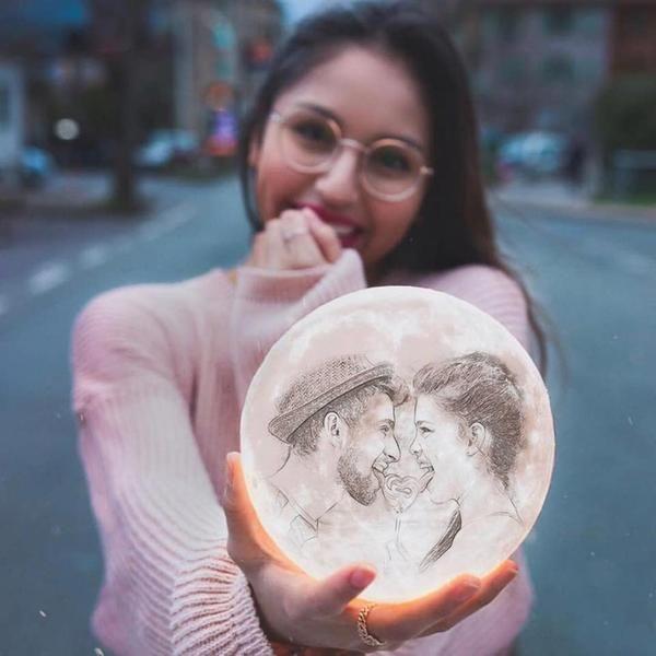 Mond Lampe Mit Eigenem Foto In 2020 Mond Lampe Geschenke Fur Paare Freund Valentines Geschenke