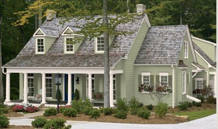 exterior paint colors on a farmhouse | Exterior Paint Colors for Cape Cod Homes
