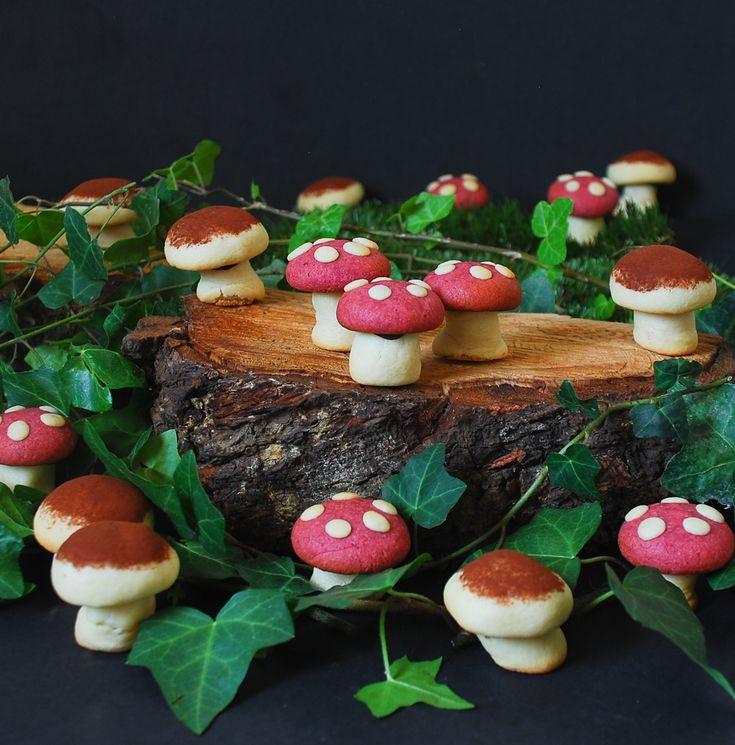 Marzipan cookies mushroom - Panellets