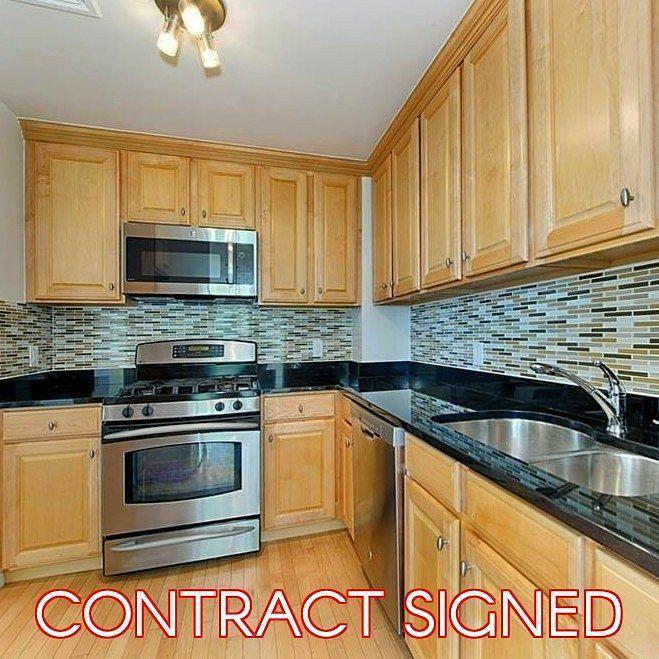 Contract signed! 2-br 2-bath condo in Central Riverdale! Courtesy if our top agent William Perez @willmodarealty
