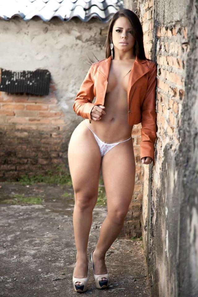 country girl nude selfie