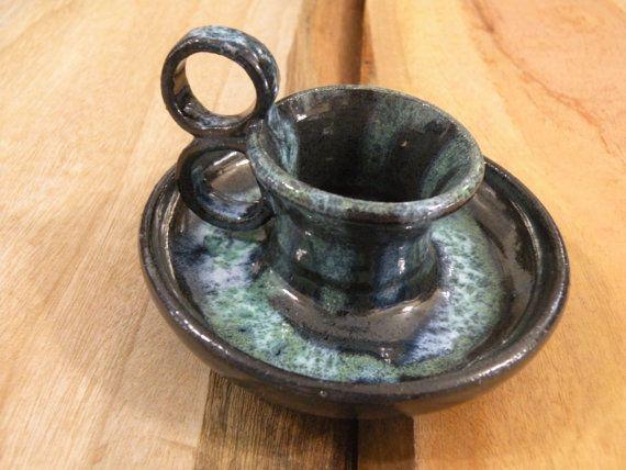 Supporto di candela. Candela in ceramica nero-bianco titolare