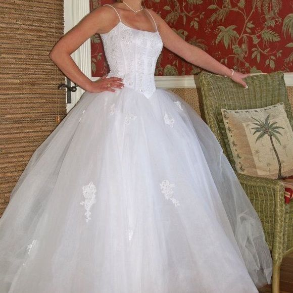 1000 images about the wonderful world of wedding dresses for Wedding dresses used once