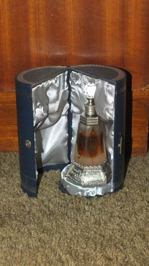 Buy Perfume Bottle - Mukhalat Swiss Arabian Concentrated Perfume Oil - Collectable for R480.00