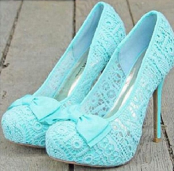 Blue lace shoes... Love at first sight