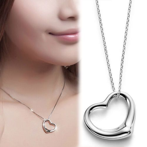 Pandantiv Inima Placata cu Argint + Stras Cadou  http://www.pandantivefashion.ro/cumpara/pandantiv-inima-placata-cu-argint-stras-cadou-8