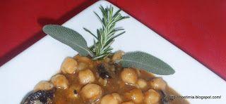 Ρεβιθόσουπα με λαχανικά κ μακαροτσίνι