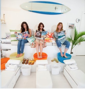 pedicure at Beachy Toes  Solana Beach Calif~ awesome pedicure stations. Great use of Noel Asmar Pedicure Bowls