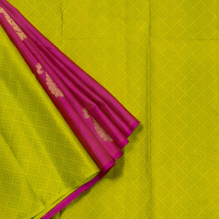 Kanakavalli Handwoven Kanjivaram Silk Sari 1010432 - Sari / Kanjivarams - Parisera