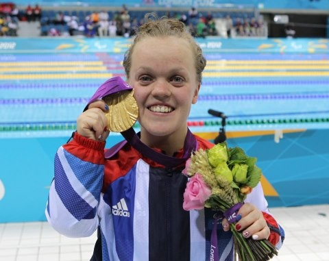 Ellie Simmonds goes Gold in the Paralympics!