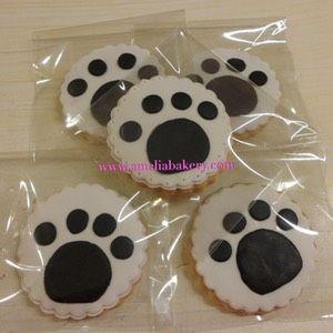 Galletas-decoradas-fondant-huella-perro-amelia-bakery_water