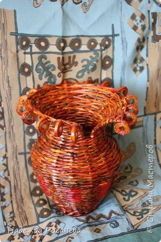 Поделка изделие Плетение Подносы и вазочка Трубочки бумажные фото 9