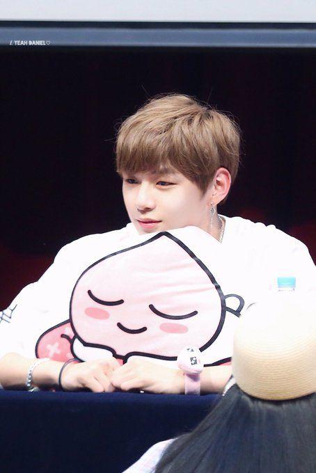 Kang Daniel Wanna One Fansign