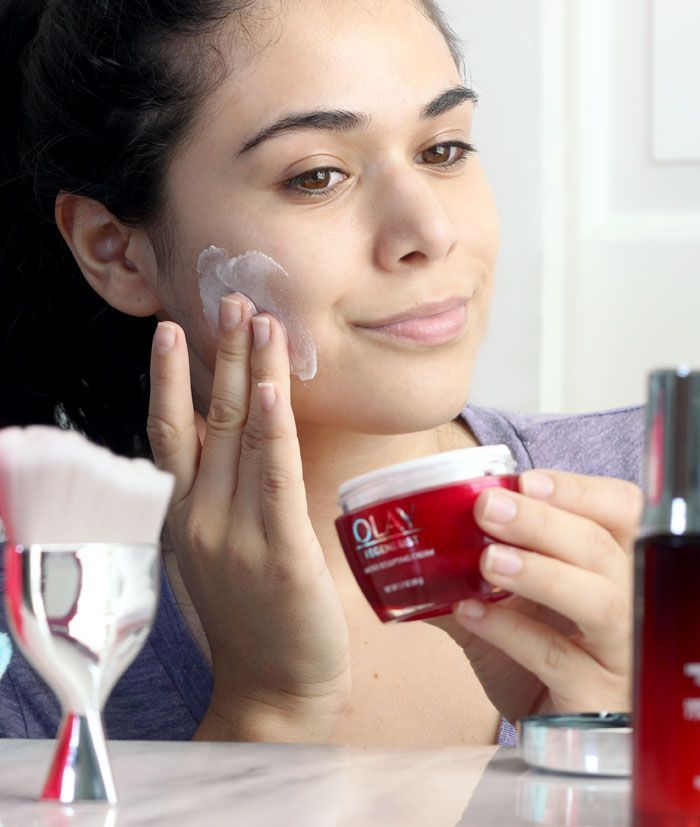 Find out why the Olay Regenerist Micro-Sculpting Cream is my go-to moisturizer to streamline my routine-- it's proven to work as well as prestige creams! | Slashed Beauty #ageless #ad