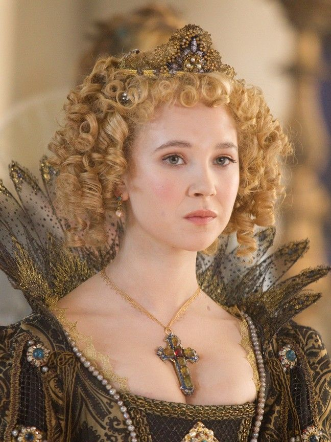 Juno Temple Pictures - Rotten Tomatoes The Three Musketeers 2011, Milady De Winter, 17th Century Fashion, 16th Century, Juno Temple, 2011 Movies, La Mode Masculine, Movie Costumes, Theatre Costumes