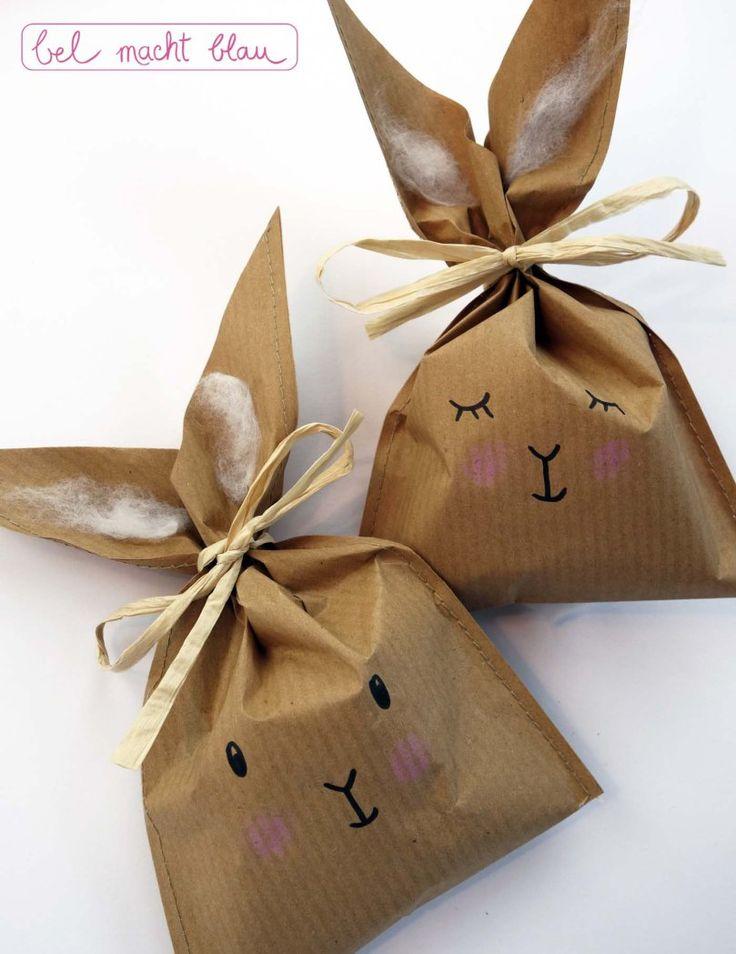 Bastelanleitung für süße Häschen-Tüten aus Packpapier // Bastelideen für Ostern // Osterhasen // Verpackungsidee // Frohe Ostern - Happy Easter!