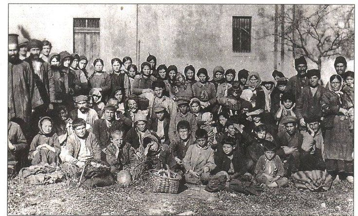 A group of Pontic Greek refugees at Corfu January 20 1923. Photo: Kentro MIkrasiatikon Spoudon.