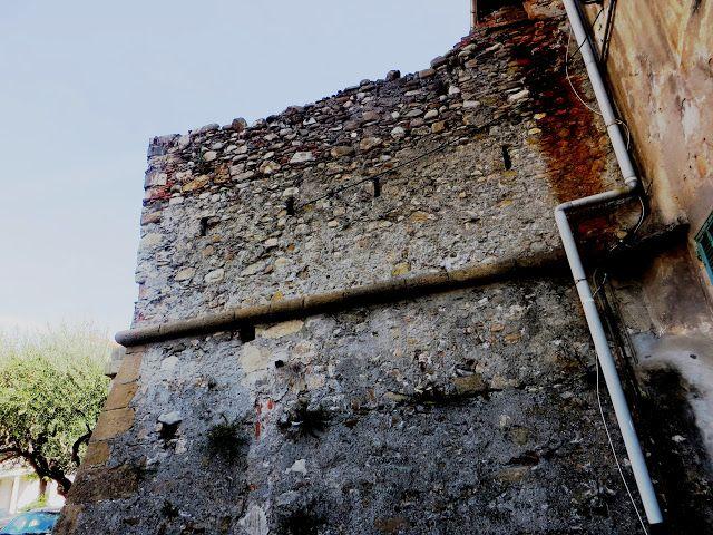 Imperia - resti delle antiche Mura di Oneglia