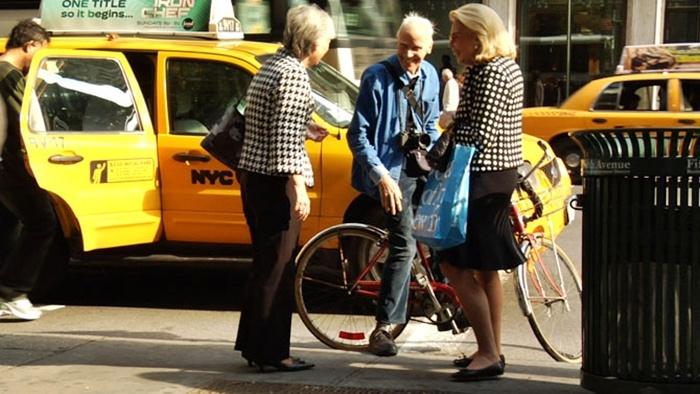 Bill Canningham New-York    http://thefrontrow.kz/thefronters/bill-cunningham-new-york/#