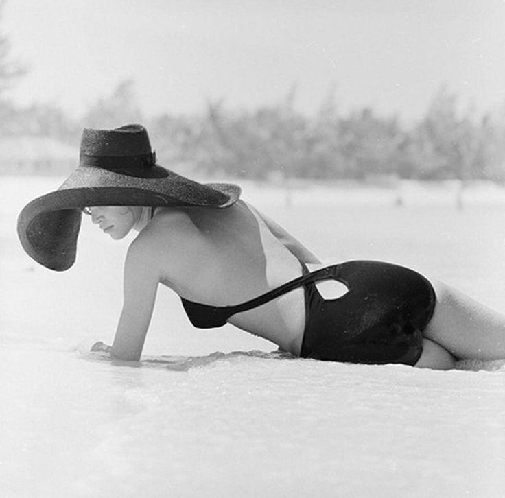 sexy: Vintage Swimsuits, Beaches, 1970, Nassau Bahama, Vintage Bath Suits, Slim Aaron, Patrick'S Lichfield, Photography, Sun Hats