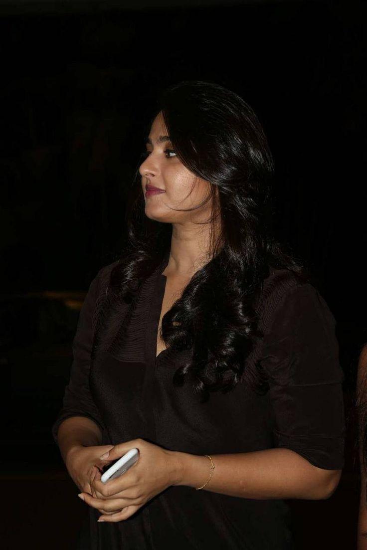 Anushka Latest Photos At Rudhramadevi Movie Success Meet - Anushka Shetty