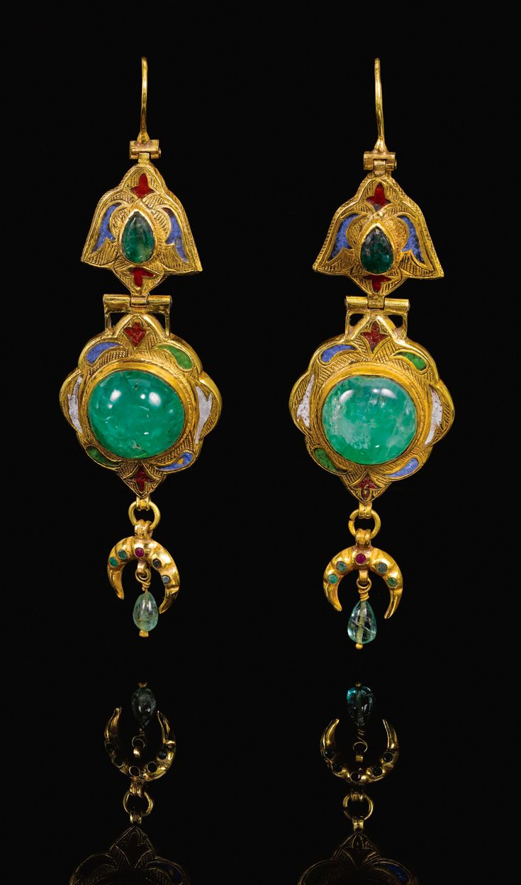 Morocco | Pair of gold, emerald and enamel earrings | 18th century