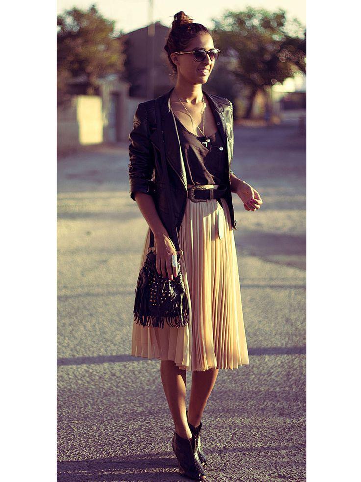 les 74 meilleures images du tableau jupe midi sur pinterest jupes jupe midi et mode femme. Black Bedroom Furniture Sets. Home Design Ideas
