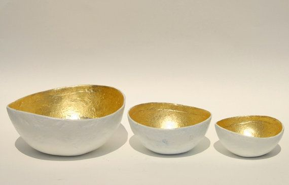 Bowl paper mache white opulence with gold leaf