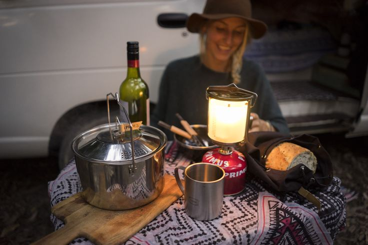 Camping table setup ideas for late night dinners for two. A Lantern for a cosy feeling.