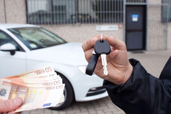 Россияне все чаще покупают подержанные автомобили