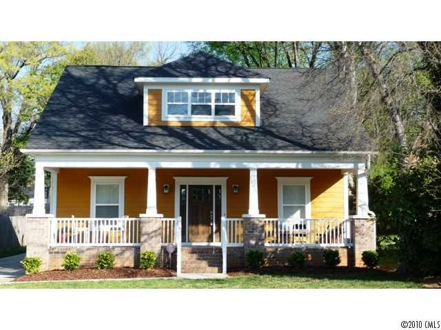 449 best cottages and bungalows images on pinterest for Craftsman homes in charlotte nc