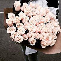 Pastel pink roses delivery yes please  #roses #flowers #flowerslovers #flowerstagram #flowersofinstagram #pinkroses #pastelpink #flowersdelivery #bouquet #bouquets #florals #bridalbouquet #weddingbouquet #proposal #romantic #weddingproposal #bridetobe #engaged #flowerbouquet
