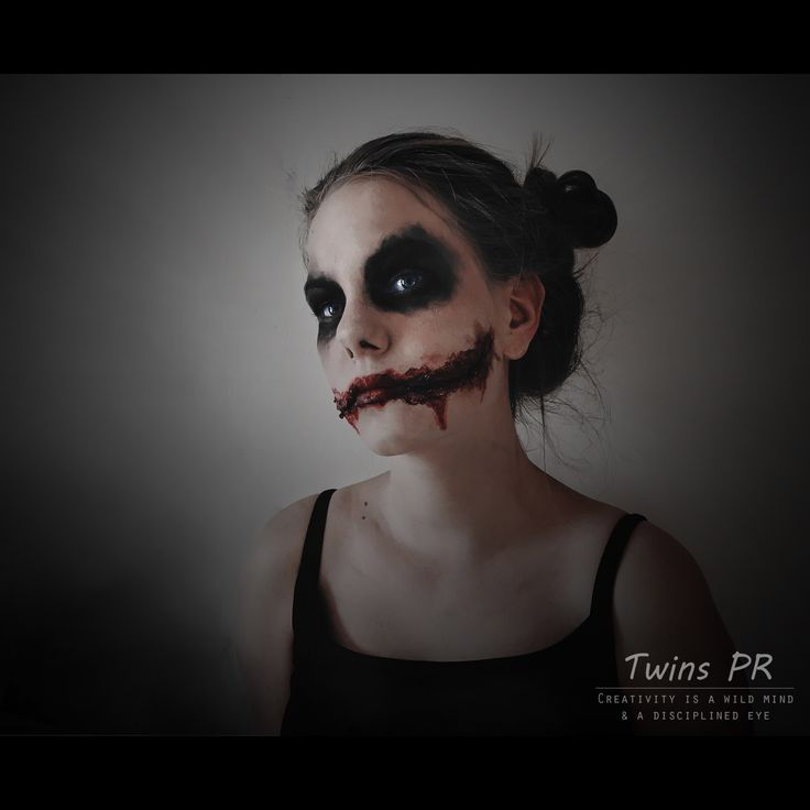 """Why so serious?🤡""  SFX makeup by; @linneapr (instagram) Model; @linneapr  Edited by; @synnepr (instagram) Photo by; @synnepr  Camera; Canon 1200D Edited in Photoshop CC and Lightroom"
