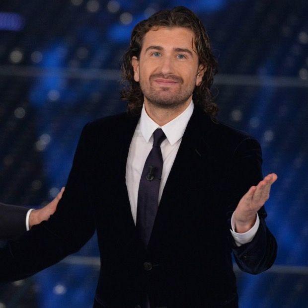 """Alessandro Siani a Radio 105: """"ho scherzato con sentimento goliardico"""""""
