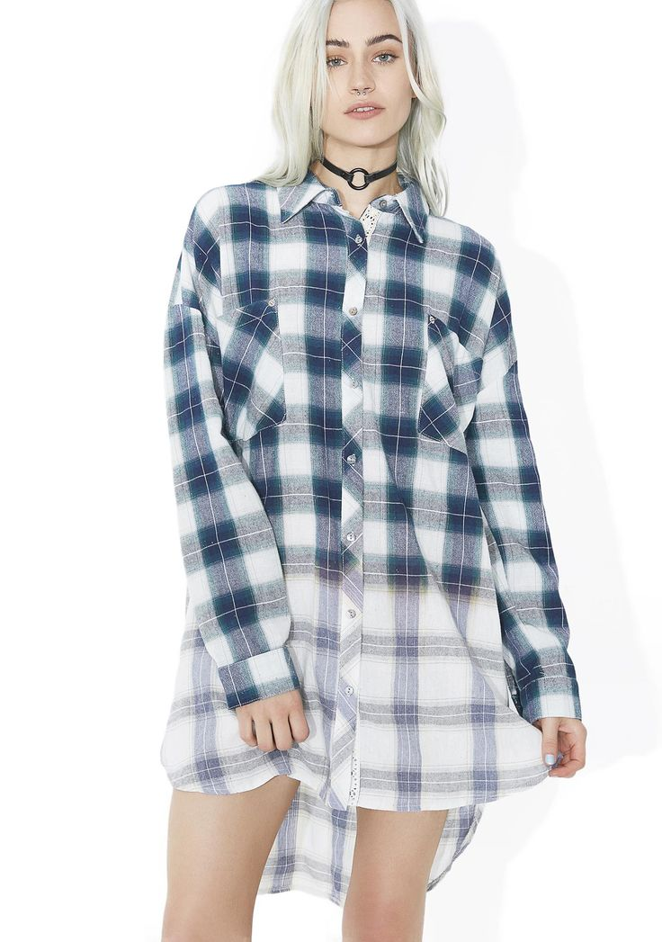 Moss New Edition Flannel Button Down is gunna make ya mixtape that'll last through the ages! This classikk flannel features a cozy green plaid construction that fades out towards the hem, oversized fit with dropped shoulders, chest pockets, curved hi-lo cut, and button front closure.