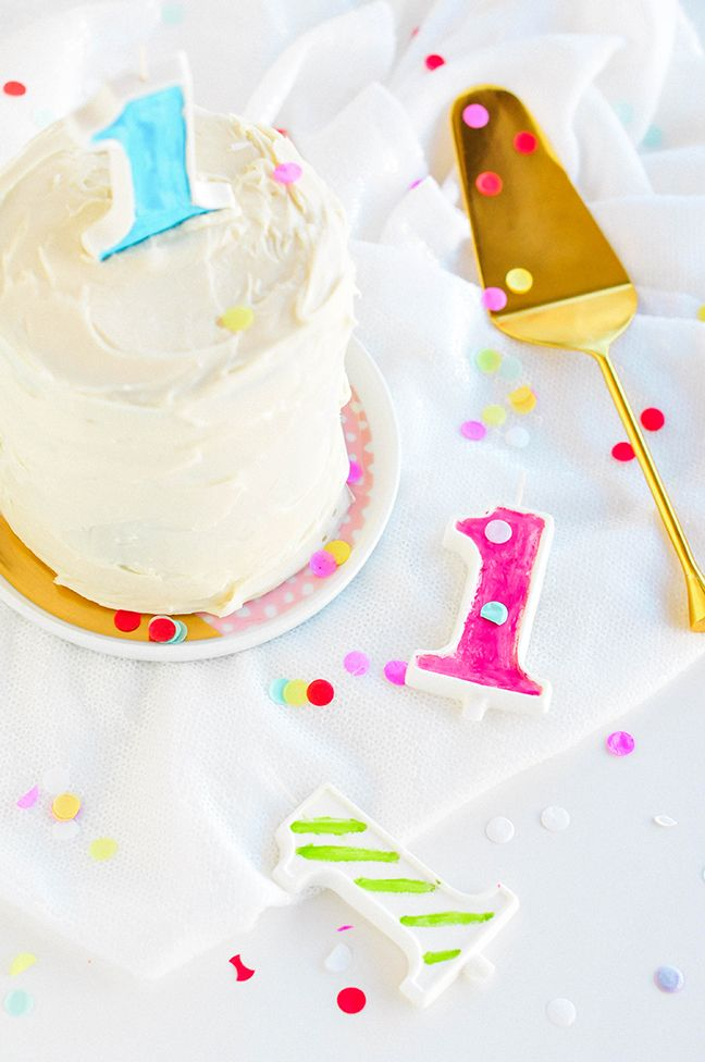 Edible birthday candles you can make yourself. Have to do this for A's birthday (if I can find out what the hell 'disco dust' is.)