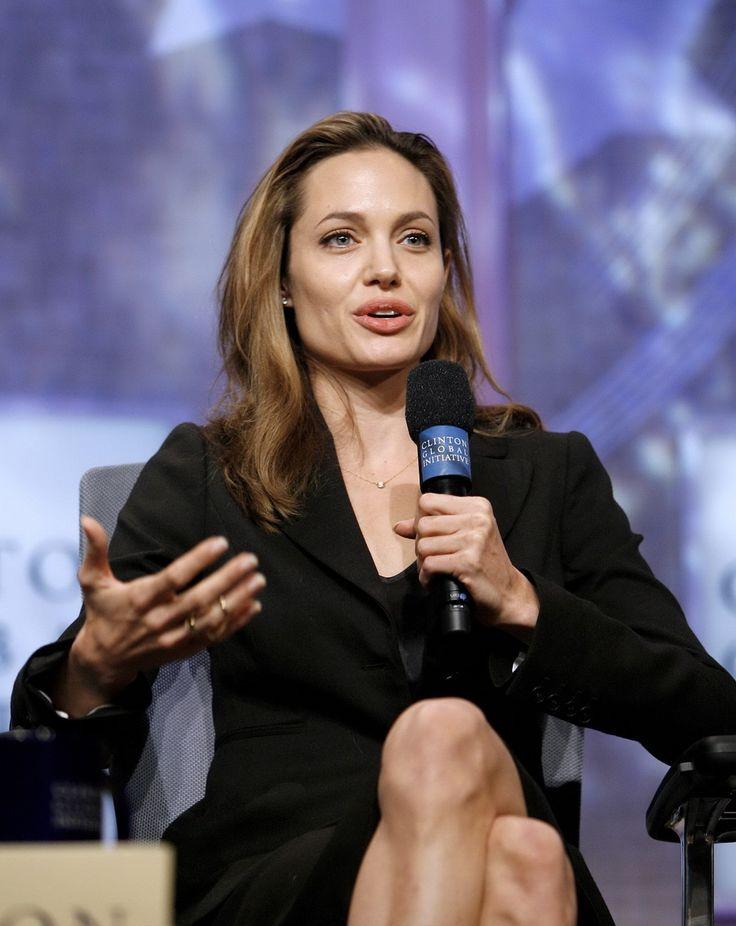 Angelina Jolie - Clinton Global Initiative Event - Photo 06