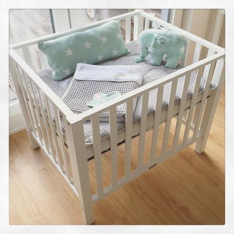die besten 25 nestchen kinderbett ideen auf pinterest baby bett nestchen nestchen f r. Black Bedroom Furniture Sets. Home Design Ideas