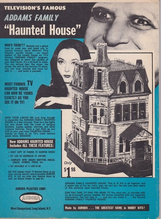 Addams family house paper model