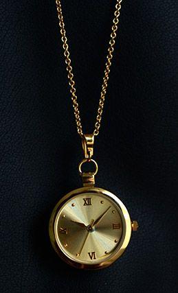 Dámské hodinky Marie Terezie dostanete s pozlaceným řetízkem o délce 61 cm.