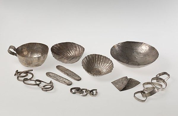 Vessels, Ingots, and Chains from the El-Tod Treasure