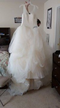 Vera Wang Vw351157 Wedding Dress. Vera Wang Vw351157 Wedding Dress on Tradesy Weddings (formerly Recycled Bride), the world's largest wedding marketplace. Price $700.00...Could You Get it For Less? Click Now to Find Out!
