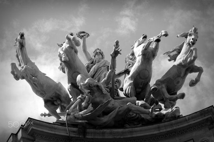 Glory - Grand Palais,Paris