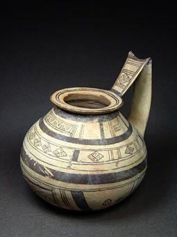 Όστρακο Αρχαία Τέχνη, Daunian High Χειριστείτε Κανάτα με γεωμετρικά μοτίβα…