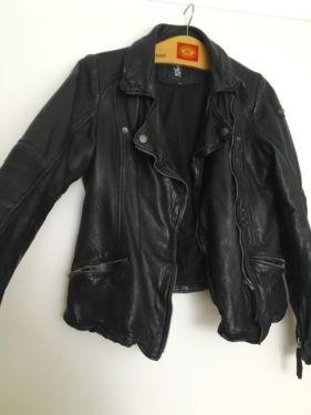 Es ist eine wundervolle stylishe Lederjacke vom Kultlabel Tigha im Bikerstil. Leider ist mir die...,Tigha Lederjacke *Reserviert* in München - Isarvorstadt
